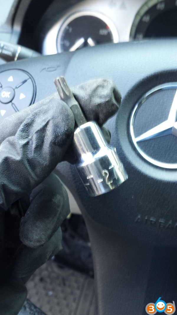 mercedes-w204-steering-lock-replacement-(8)