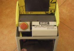 SEC-E9-auto-key-cutting-machine