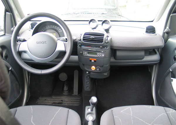 smart-fortwo-2002-dashboard