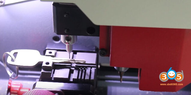 sec-e9-key-machine-cut-nissan-keys-12