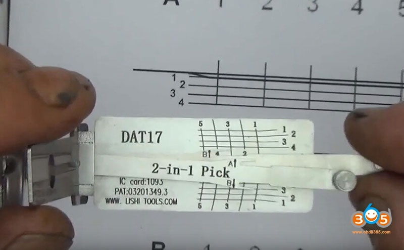 how-to-use-Lishi-DAT17-2in1-Pick-Decoder-Tool-5