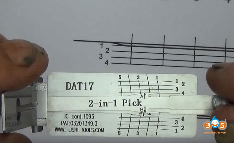 how-to-use-Lishi-DAT17-2in1-Pick-Decoder-Tool-8