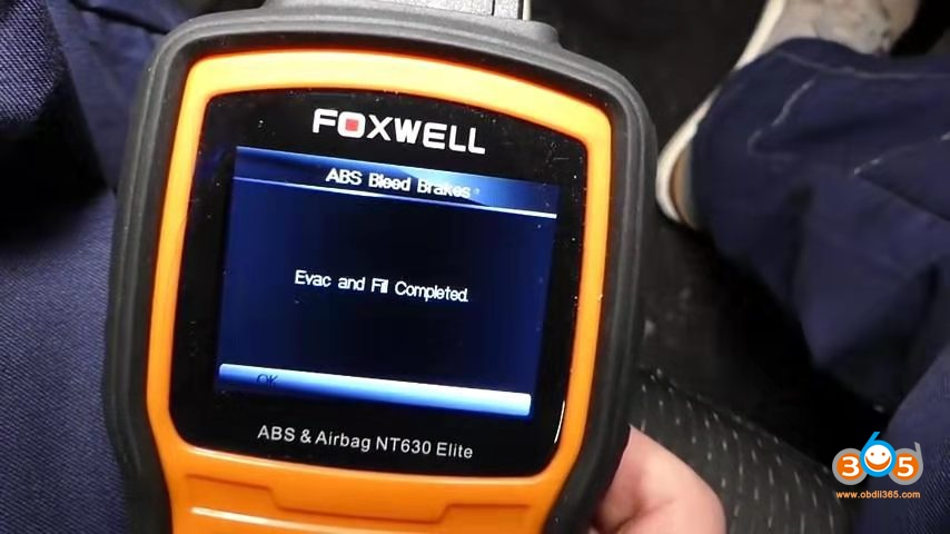 Foxwell Chrysler Abs Bleeding 14