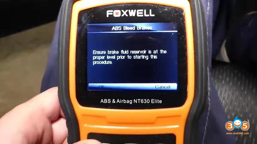 Foxwell Chrysler Abs Bleeding 6