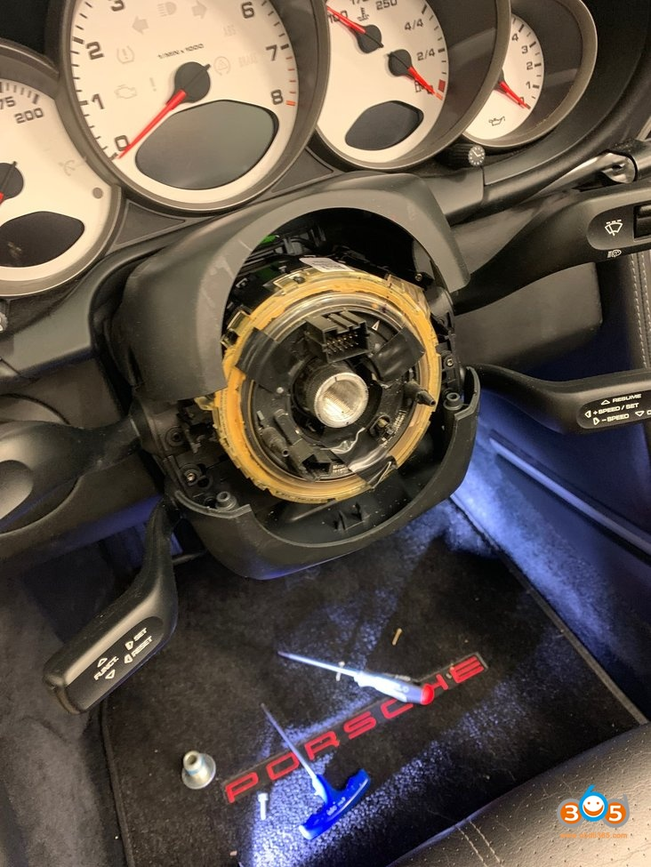 Replace Code 09 Porsche 997 Steering Wheel Module 01