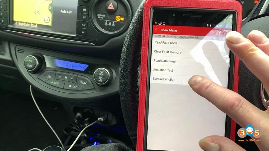 Launch X431 Pros Mini Diagnose Toyota Yaris 2012 17