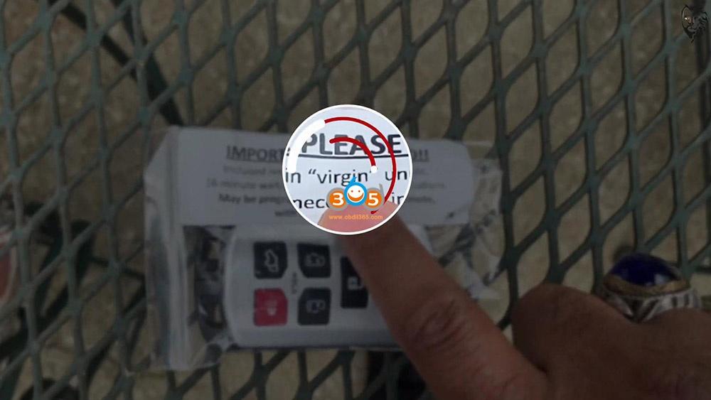 Autel Maxisys Elite Program Toyota Sienna 2013 Smart Keyfob 01