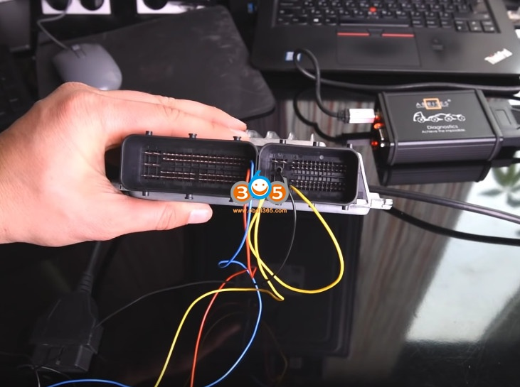 AVDI Read BMW MSD80 MSD81 DME ISN On Bench 2